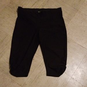 Xersion fitted workout capris
